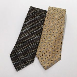 Silk men's tie by Jos A Bank - gold and black